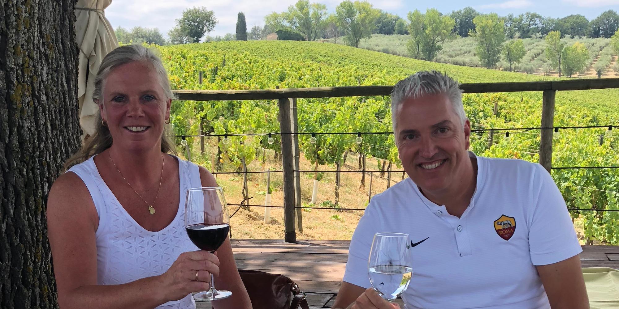 lunchen en wijnproeven in de wijngaard van Arnaldo Caprai